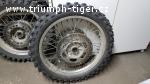 Obě kola Tiger 900 T400 (1993-98)